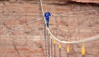 High Wire Artist Nik Wallenda Crosses Grand Canyon Gorge