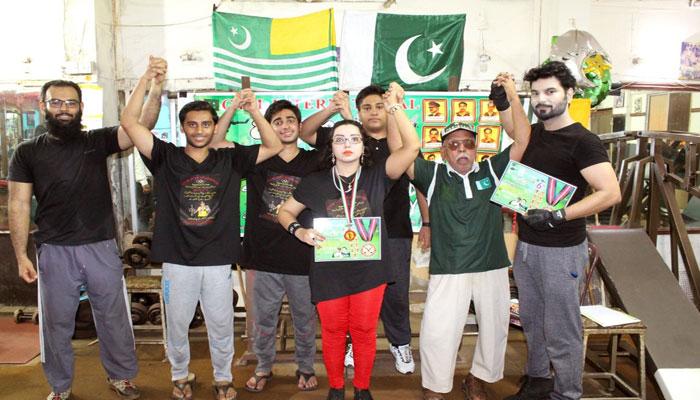 طاہر علی نے یکجہتی کشمیر مارشل آرٹ ٹرافی جیت لی