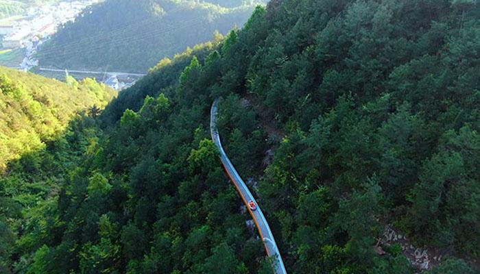 دنیا کی سب سے طویل ماؤنٹین واٹرسلائیڈ