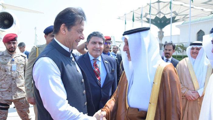 وزیر اعظم 2 روزہ سرکاری دورے پر سعودی عرب پہنچ گئے