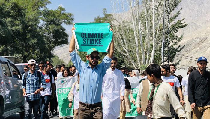 پاکستان سمیت دنیا بھر میں ماحولیاتی ایمر جنسی نافذ کرنے کا مطالبہ