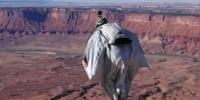 Heart Stopping Moment Wingsuit Daredevil Dives Off A Utah Cliff