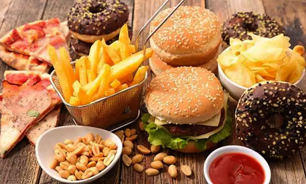 جلد کو برباد کرنے والی غذائیں