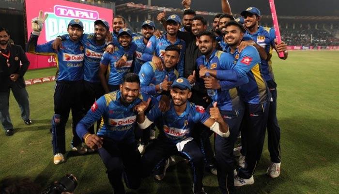 پاکستان کے خلاف جو انگلینڈ، آسٹریلیا نہ کرسکے وہ سری لنکا نے کردکھایا