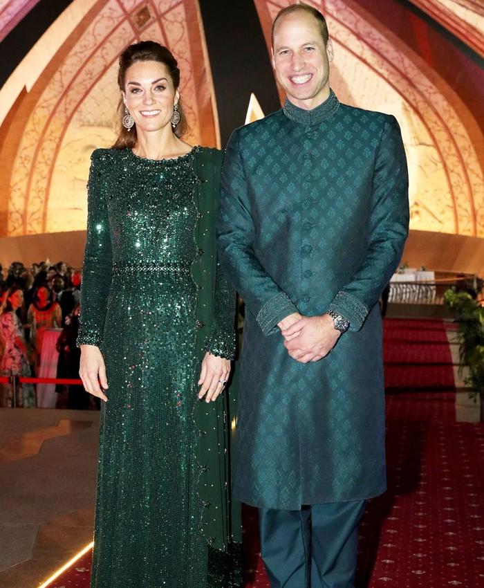 شہزادی کیٹ کے کپڑے ڈیزائن کرنے والی کون؟