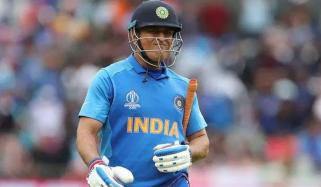 I Control My Emotions Better Than Others Dhoni