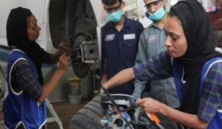 This Female Mechanic Can Diagnose A Cars Issue Just By Its Sound