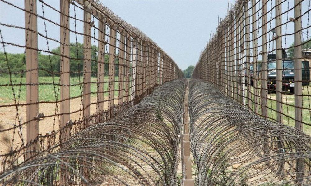 LoC پر فائرنگ، فوجی اور 3 شہری شہید، 9 بھارتی فوجی جہنم واصل
