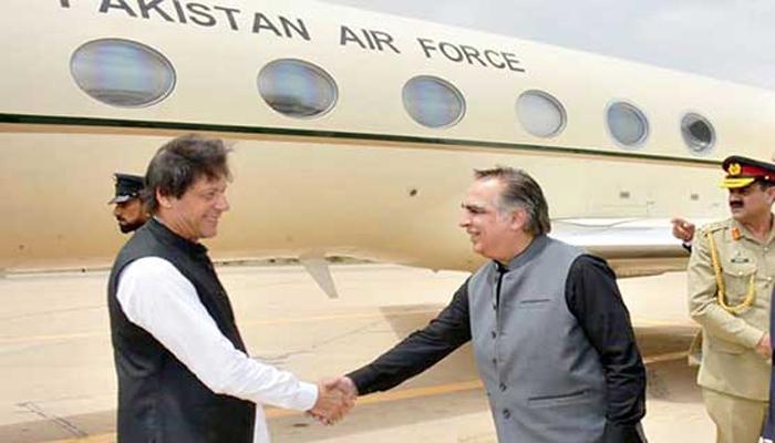 وزیر اعظم ایک روزہ دورے پر کراچی پہنچ گئے