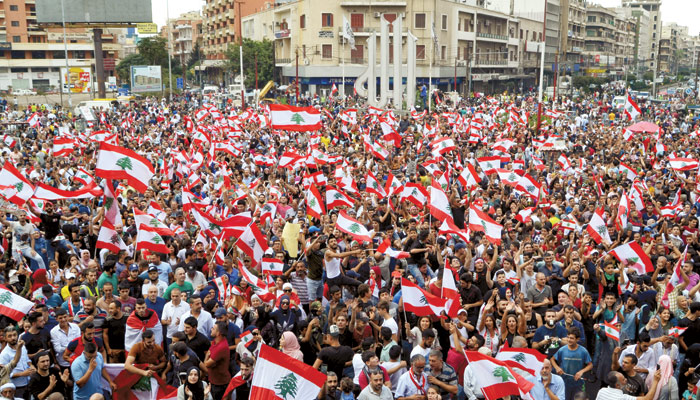 عراق کے بعد اب لبنان میں بھی ہنگامے