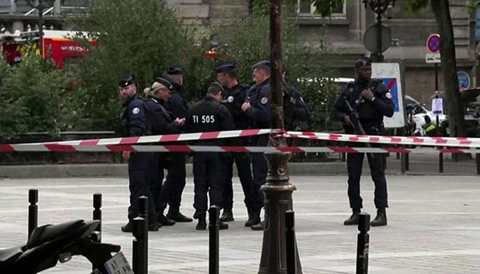 فرانسیسی پولیس میں بنیادپرستوں کی تلاش