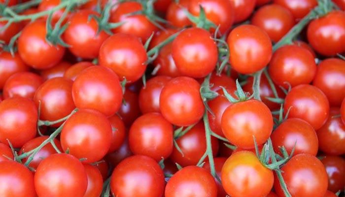 کراچی: یکدم 50 روپے اضافہ، ٹماٹر 250 روپے کلو