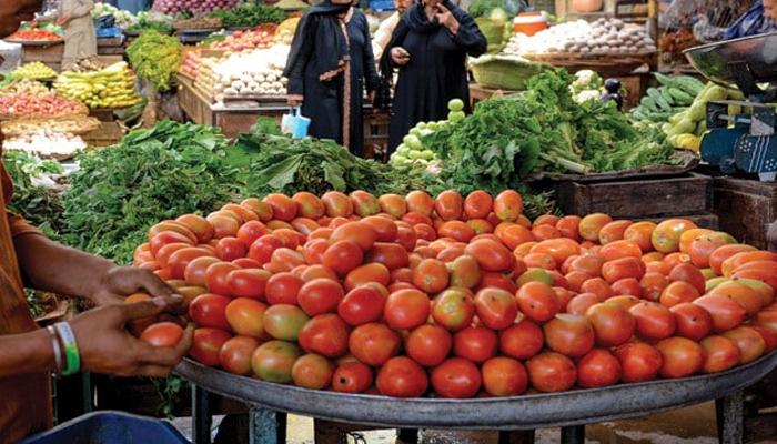 کراچی میں ٹماٹر کی قیمت 300 روپے کلو ہوگئی