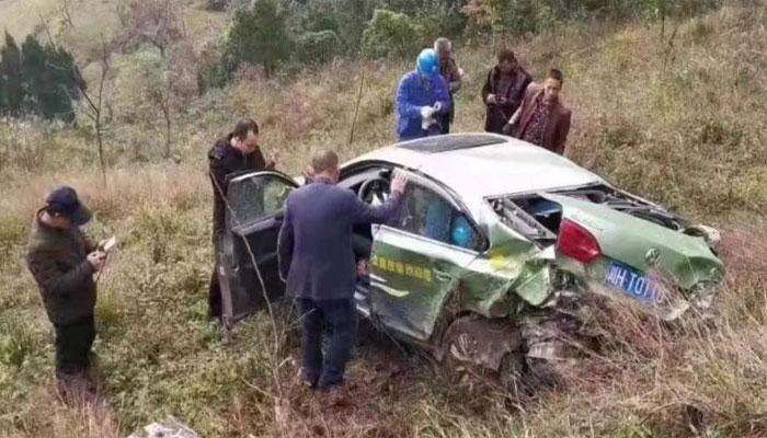 چین میں کار ڈرائیور کو تیز رفتاری بھاری پڑگئی