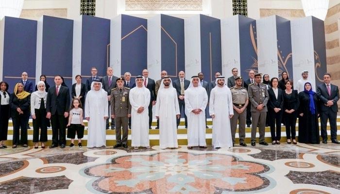 امارات کا اڑھائی ہزار غیر ملکیوں کو مستقل رہائش دینے کا اعلان