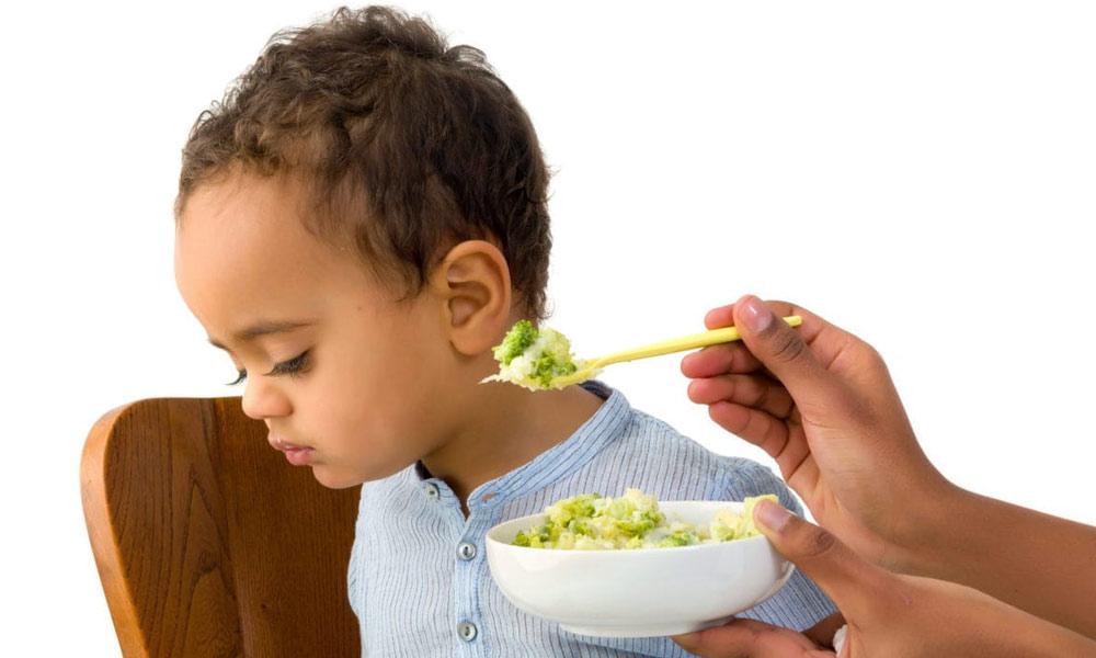 بچوں کو زبردستی کھانا نہ کھلائیں
