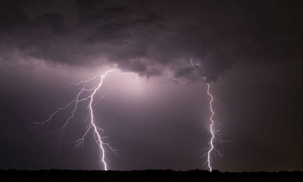 سندھ: آسمانی بجلی گرنے سے 24 افراد جاں بحق
