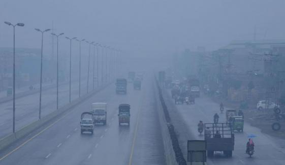 Due To Dense Smog All Schools In Three Districts Of Punjab Will Remain Close For Two Days