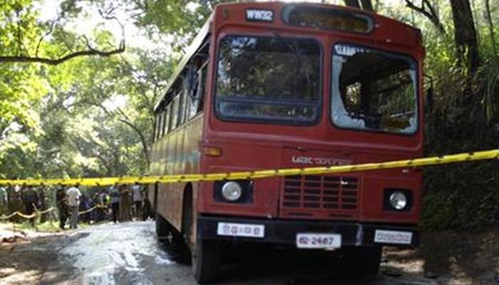 سری لنکا میں مسلم ووٹرز کی بس پر فائرنگ