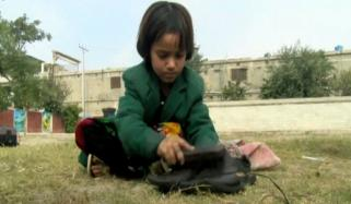 4 Years Old Shaheen Who Polish The Shoes