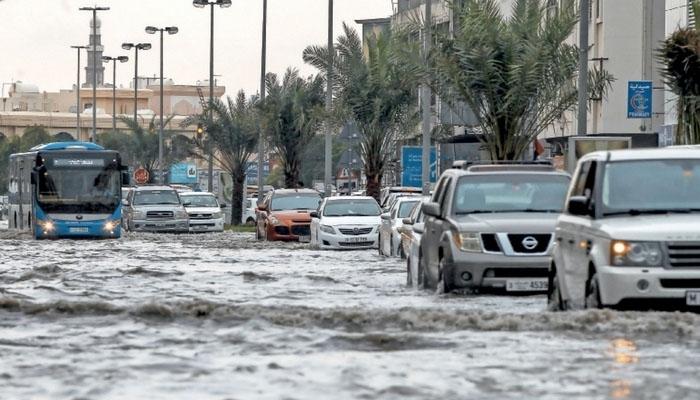 متحدہ عرب امارات میں آج بھی بارش کا امکان