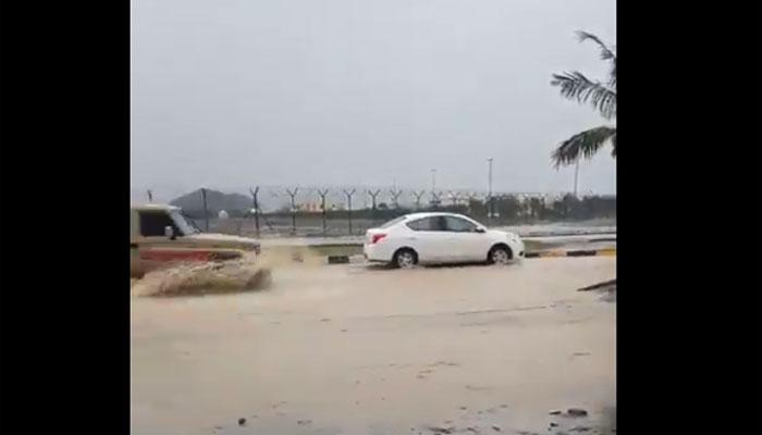 مکہ اور طائف سمیت مختلف علاقوں میں موسلادھار بارش