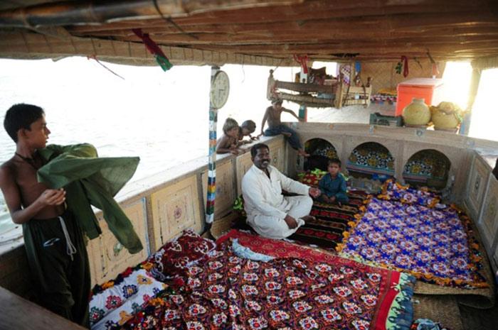 'سندھ کا تیرتا ہوا گاؤں' پرکشش سیاحتی مقام جو معدومیت کےخطرے سے دوچار ہے