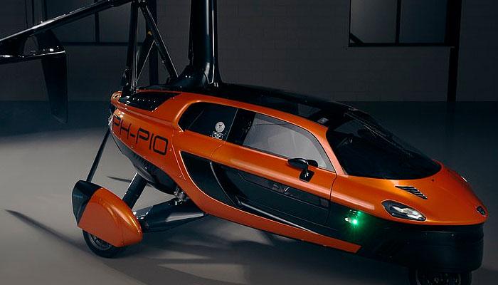 دنیاکی پہلی اڑنے اور چلنے والی گاڑی کی نمائش
