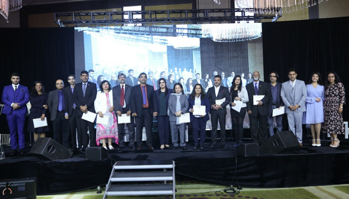 کینیڈا: ورلڈ مارکیٹنگ  سمٹ تین پاکستاتی ایوارڈ حاصل کرنے میں کامیاب