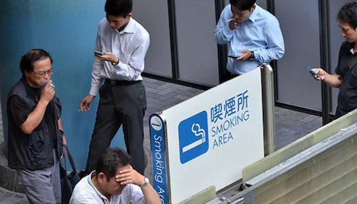 جاپان: سگریٹ نہ پینے والے ملازمین کو 6 زائد چھٹیاں دینے کا فیصلہ