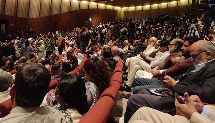 آرٹس کونسل میں بارہویں عالمی اردو کانفرنس کا میلہ سج گیا
