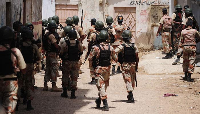 کراچی: رینجرز کی کارروائی، جرائم میں ملوث13ملزمان گرفتار