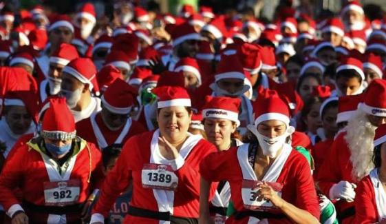 Run Santa Run Christmas Race In Mexico