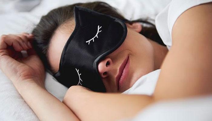 راحت بھری نیند میں مدد گار غذائیں