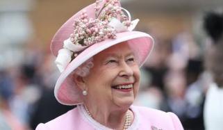Queen Elizabeth Hiring Digital Engagement Expert To Run Her Social Media