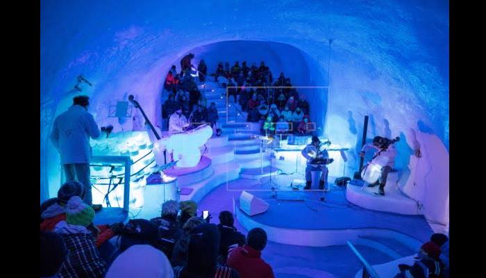 اِٹلی میں فنکاروں کا ٹھنڈا ٹھار میوزک کنسرٹ