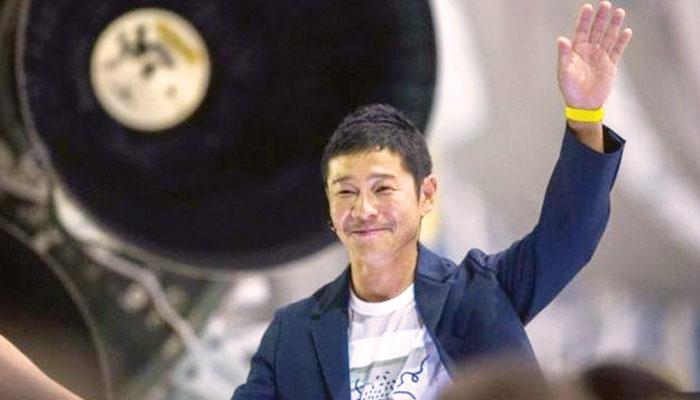 جاپان کے ارب پتی شخص کو چاند پر جانے کے لیے شریک حیات کی ضرورت
