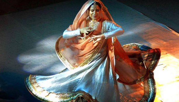 بھارتی انتہاپسندوں نے فنکار کو پرفارمنس سے روک دیا