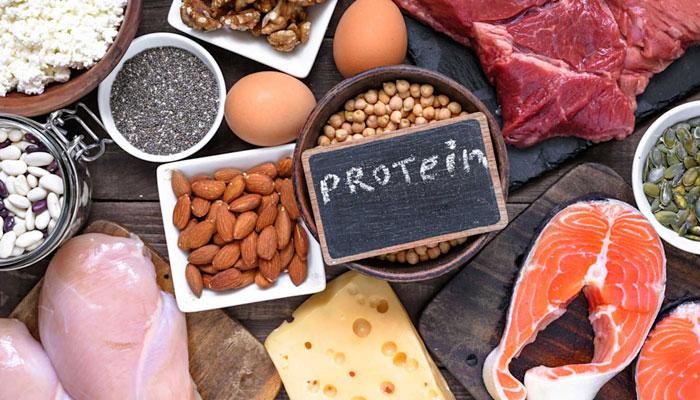 ضرورت سے زائد پروٹین لینے والے یہ نقصانات دیکھ لیں