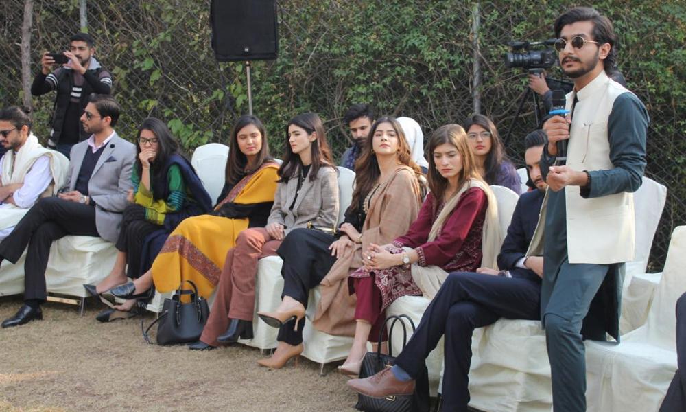 وزیرِ اعظم عمران خان کی نوجوانوں کے وفد سے ملاقات