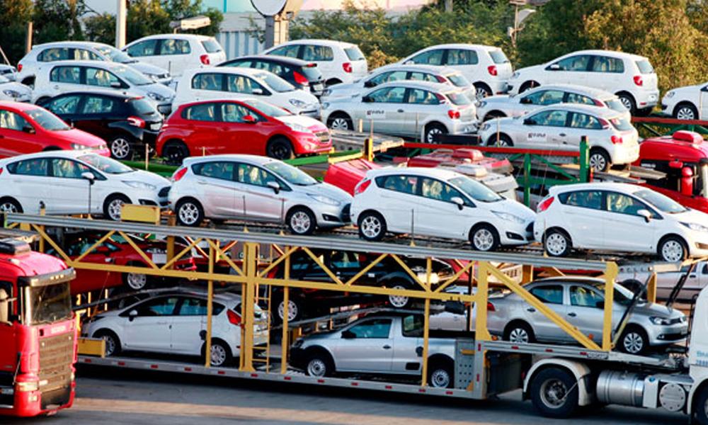 سخت پابندیوں کے باعث گاڑیوں کی برآمدات میں شدید کمی
