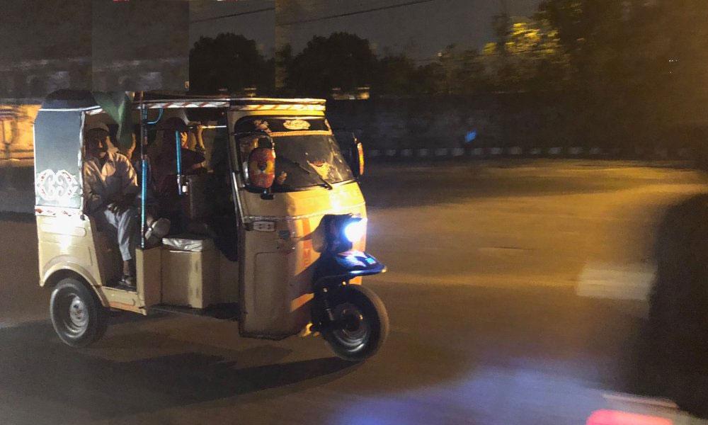 شاہ فیصل کالونی، رکشہ چوری کی CCTV فوٹیج سامنے آگئی