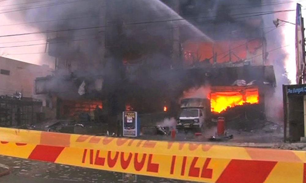 فیصل آباد، کاٹن کے گودام میں آگ لگنے سے ایک شخص جاں بحق