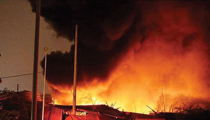 کراچی: اسکریپ کے گودام میں آتشزدگی