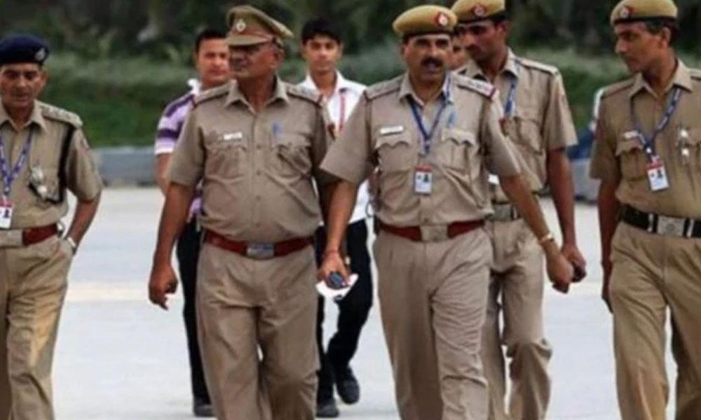 کرناٹک پولیس کا اسکول پرنسپل کیخلاف بغاوت کا مقدمہ