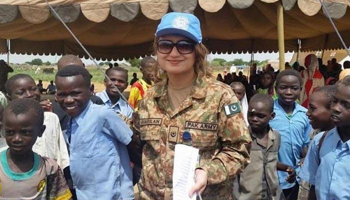 پاک فوج کی خاتون افسر کو اقوام متحدہ میڈل سے نواز دیا گیا