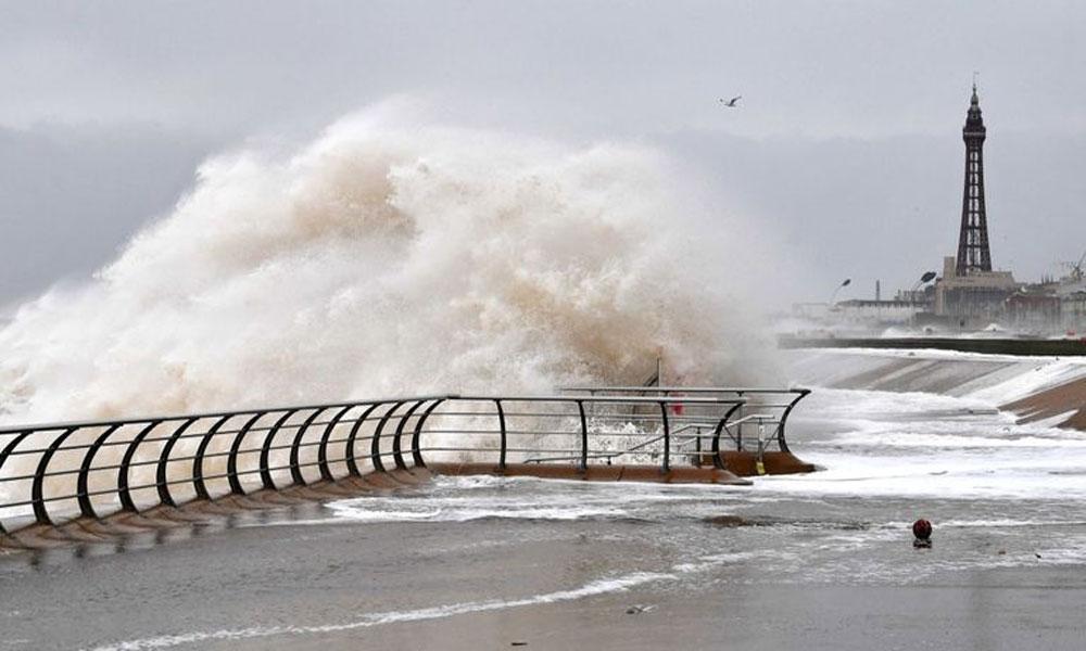 برطانیہ کو مسلسل دوسرے ویک اینڈ پر طوفان کا سامنا