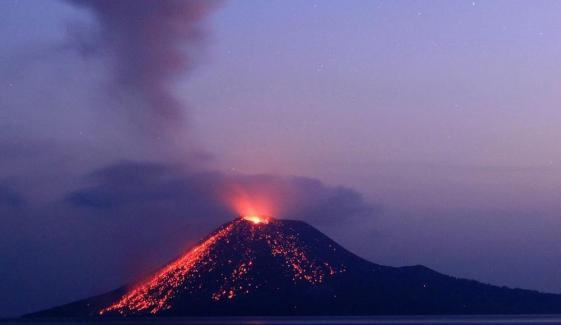 انڈونیشیا: آتش فشاں پھر سے متحرک ہوگیا