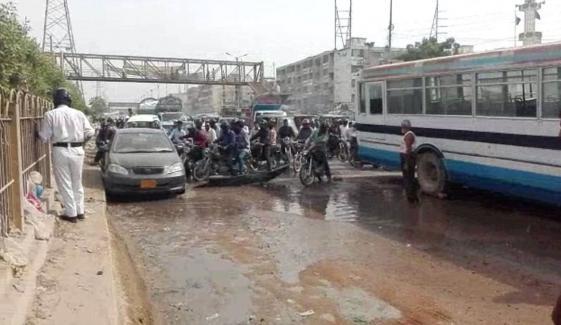 صدر میں سیوریج کا پانی جمع، مکین و راہگیر پریشان