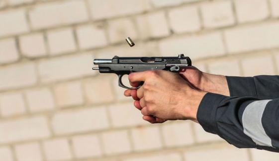 ملتان میں غیرت کے نام پر 2 افراد قتل